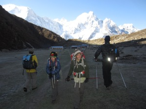 Setting out from Bimthang on our last day of trekking